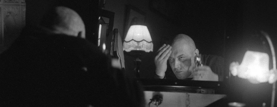 Кадр из фильма «Роль», выпускника ВКСР — Константина Лопушанского