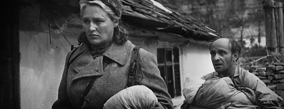 Кадр из фильма «Комиссар», выпускника ВКСР — Александра Аскольдова