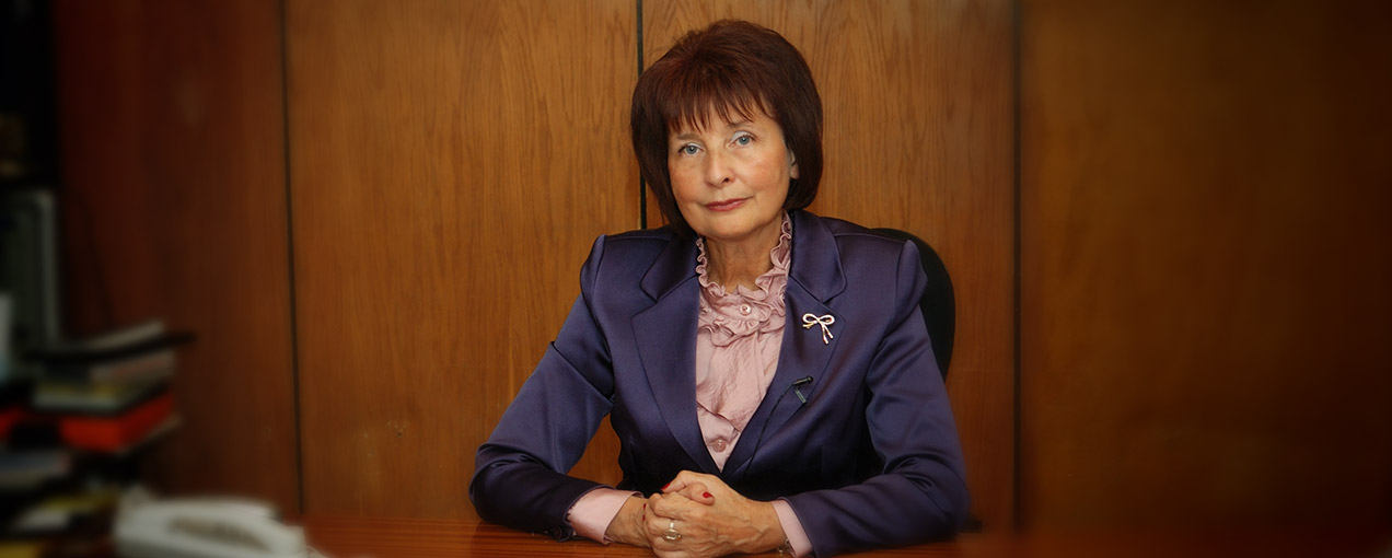 Суменова Вера Игоревна, ректор ВКСР, заслуженный деятель искусств РФ