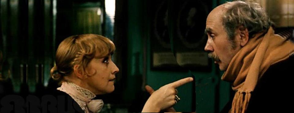Кадр из фильма «Ищите женщину», выпускницы ВКСР — Аллы Суриковой